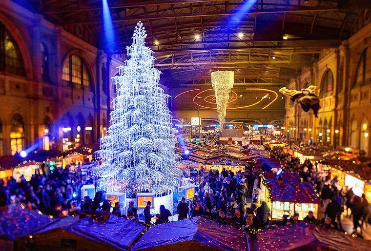 Weihnachtsmarkt Zürich Bahnhof.jpg