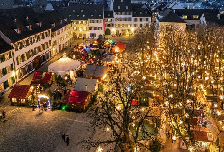 Weihnachtsmarkt Münsterplatz Basel Christmas Market Münsterplatz Basel.jpg
