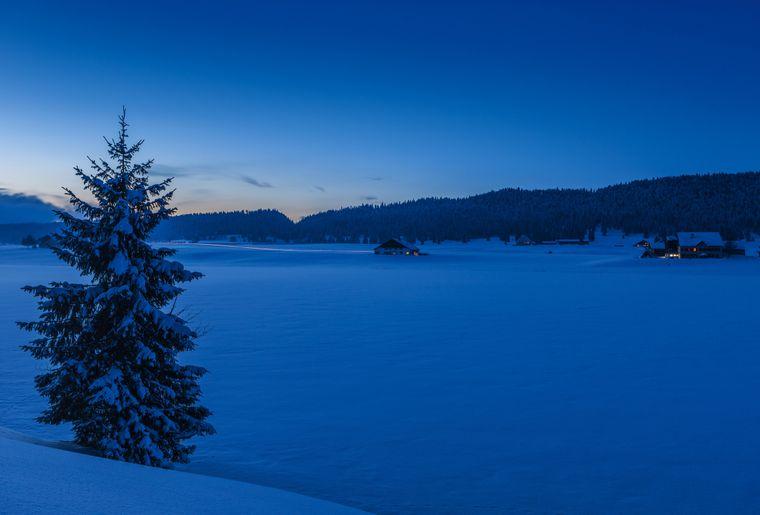 Blaue Stunde am Lac de Tailleres