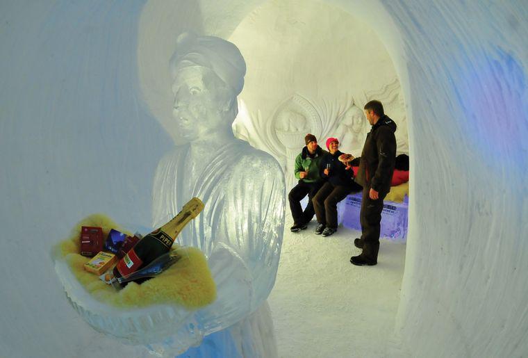 Iglu-Dorf Davos-Klosters Romantik-Iglu Suite.jpg