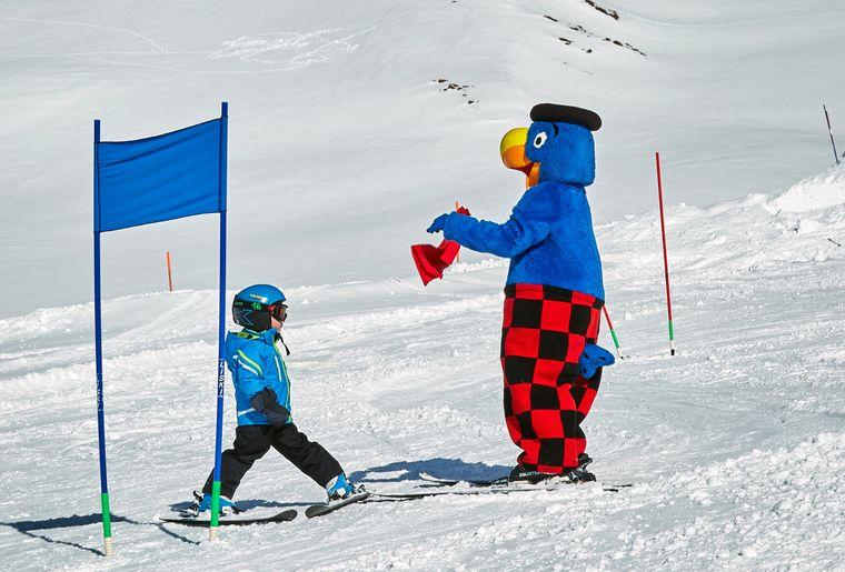 Globi & Gian am Skifahren.jpg