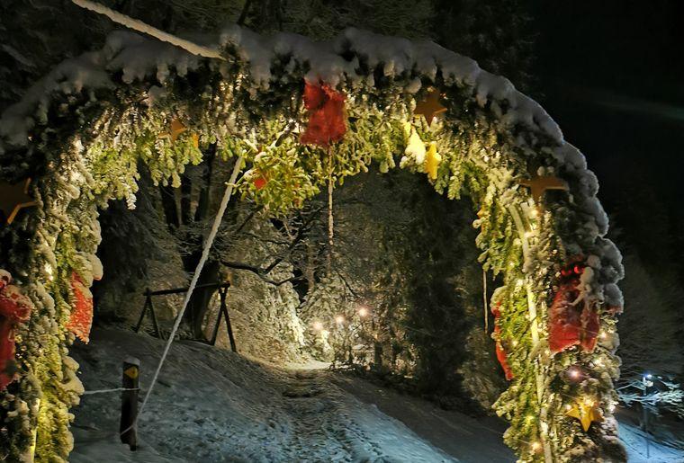 Weihnachtsweg Heiligenschwendi c A. Lüthi.jpg