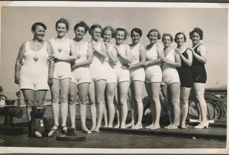 Damenschwimmclub1935.jpg