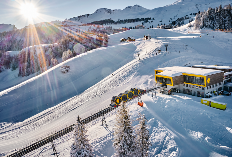 Standseilbahn Schwyz-Stoos Winter.png