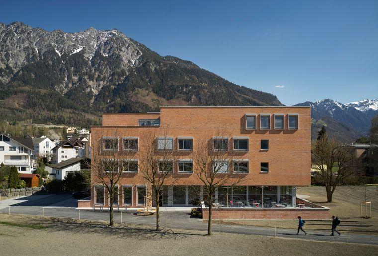 Aussenansicht_swiss-youth-hostel-schaan-vaduz-05.jpg