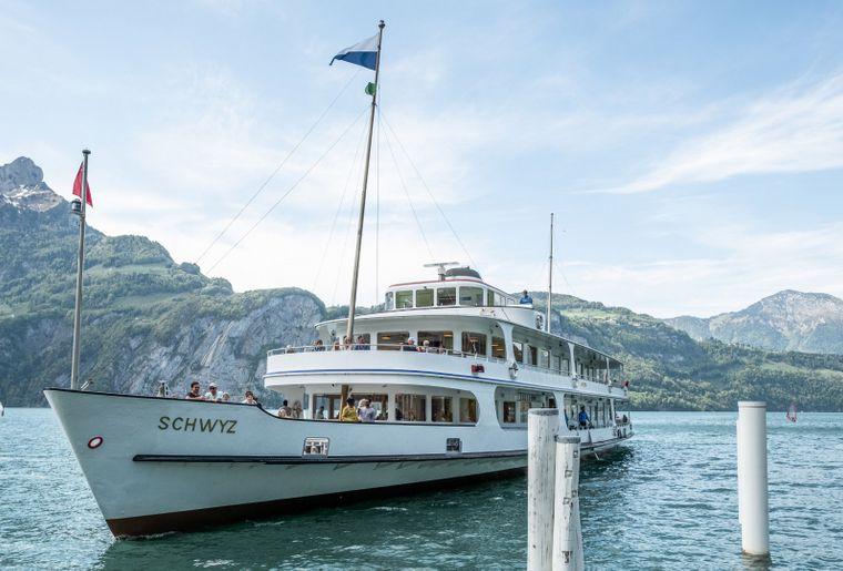 csm_Motorschiff_Schwyz_von_vorne_a2a2c8e8fb.jpg