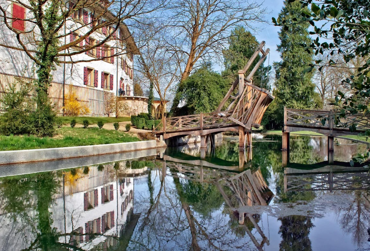 Schloss Landshut 2.png