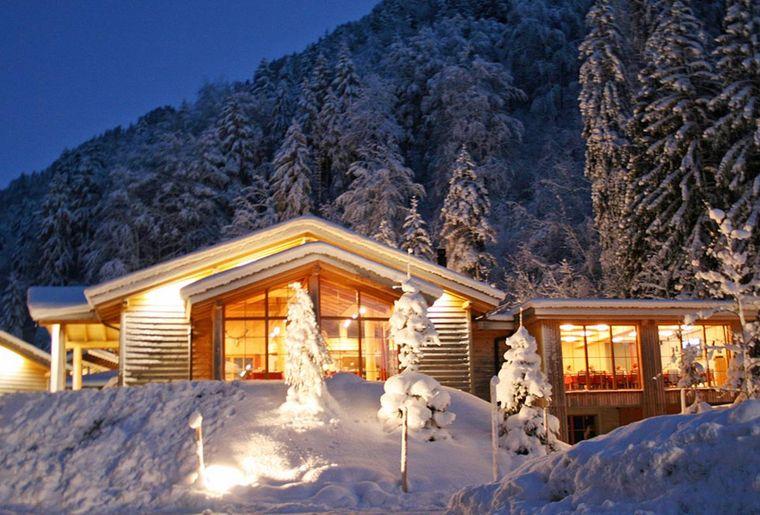 Erlebniswelt Muotatal Husky-Lodge.jpg