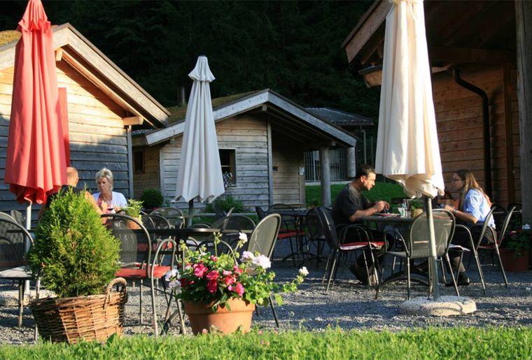 Erlebniswelt Muotatal Husky-Lodge 3.jpg