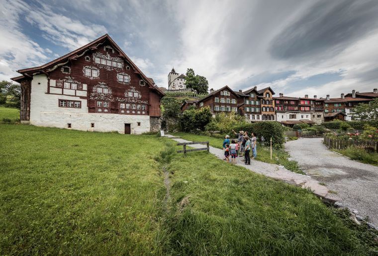 Schloss_Schlangenhaus_053_(c)_Daniel_Ammann.jpg