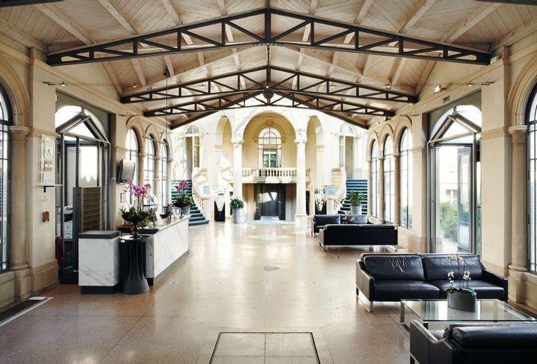 Grand Hotel des Bains Yverdon 4 Lobby.jpg