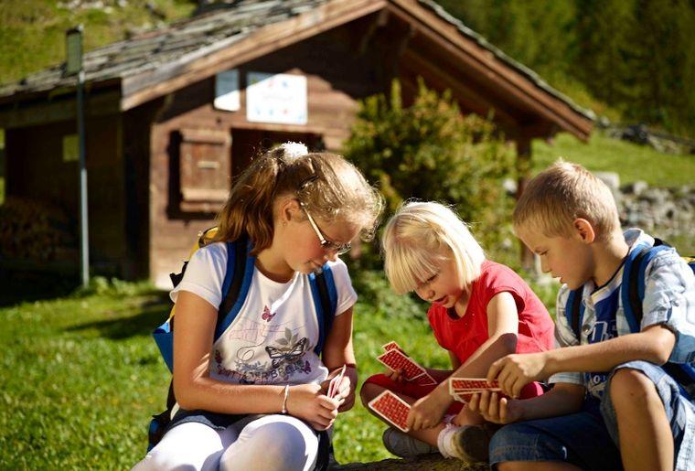 Ravensburger Spieleweg © Grächen und St.Niklaus Tourismus und Gewerbe.jpg