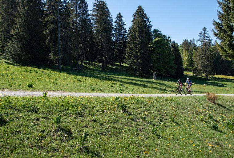 E-Bike Creux du Van 3 c Suisse Mobile.jpg