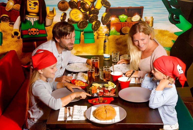 legoland_piratentaverne c LEGOLAND® Deutschland Resort.jpg