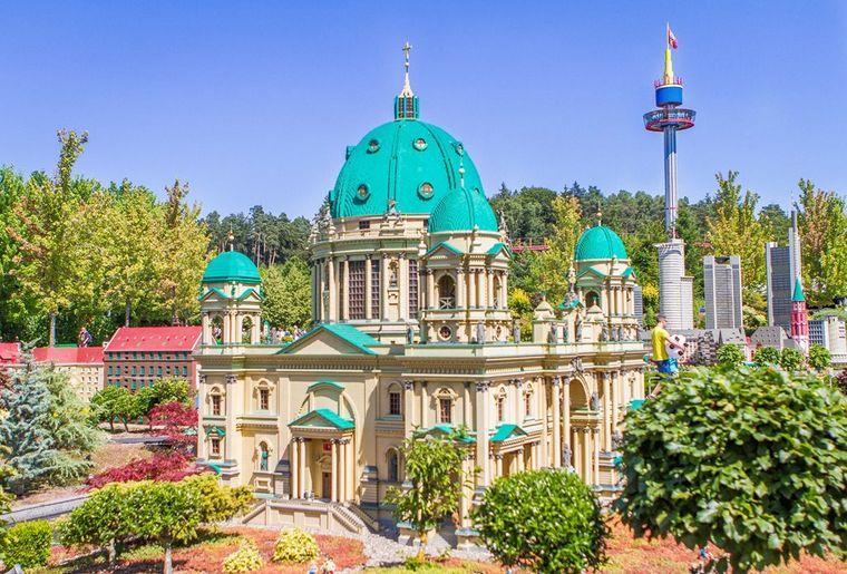 lld-miniland_berliner-dom c LEGOLAND® Deutschland Resort.jpg
