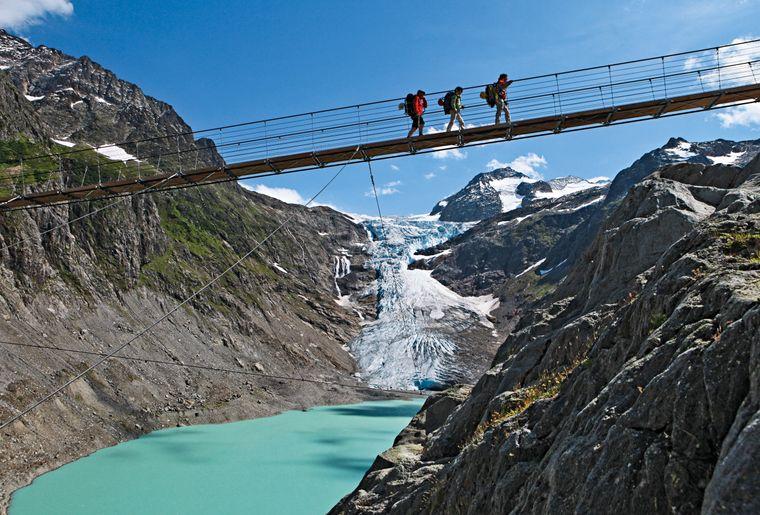 Trifthängebrücke c Schweiz TourismusChristof Sonderegger.jpg