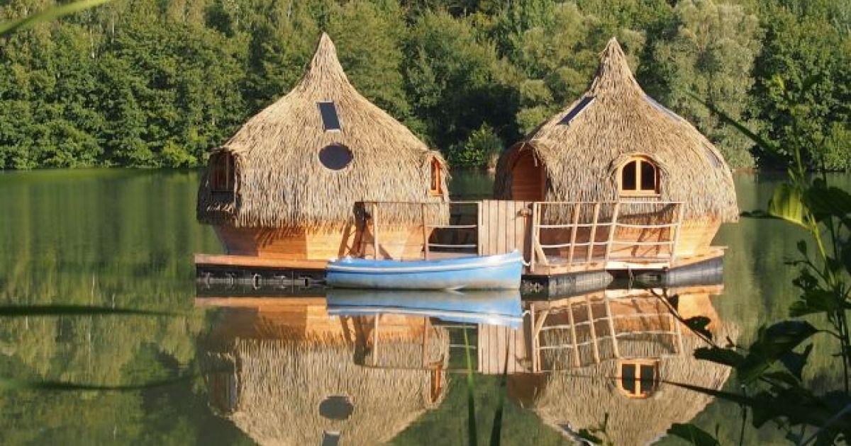 cabanes des grands lacs chassey les montbozon frankreich aktivit ten. Black Bedroom Furniture Sets. Home Design Ideas