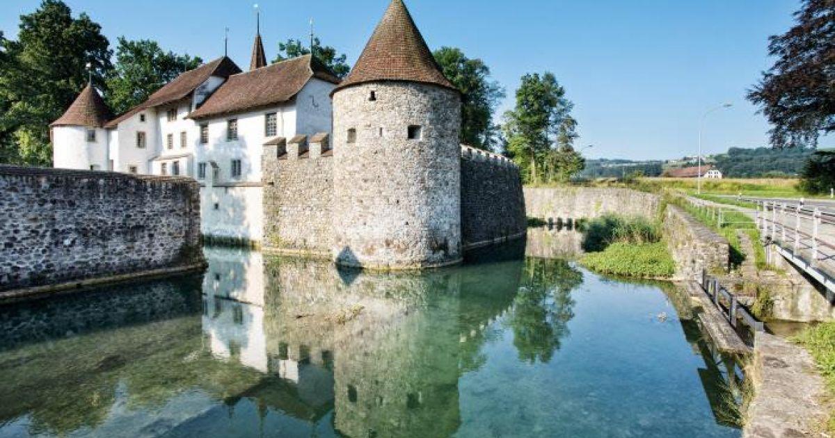 Die schönsten Inseln der Schweiz: Schloss Hallwyl im Hallwilersee