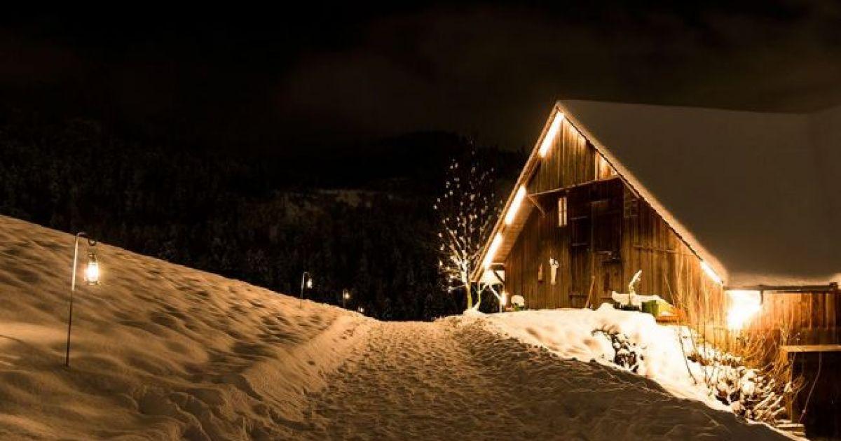 Unterwegs auf einem der romantischen Laternenwege der Schweiz