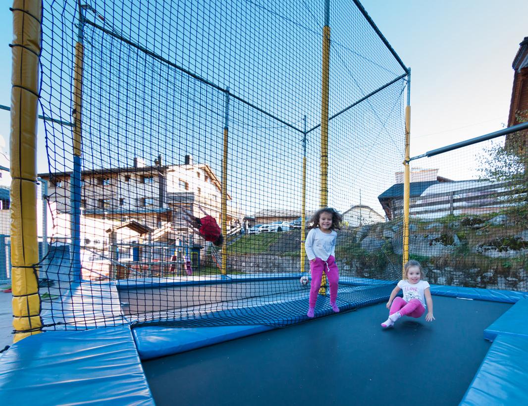 Spiel- und Spass im Familienhotel Alpina in Brigels