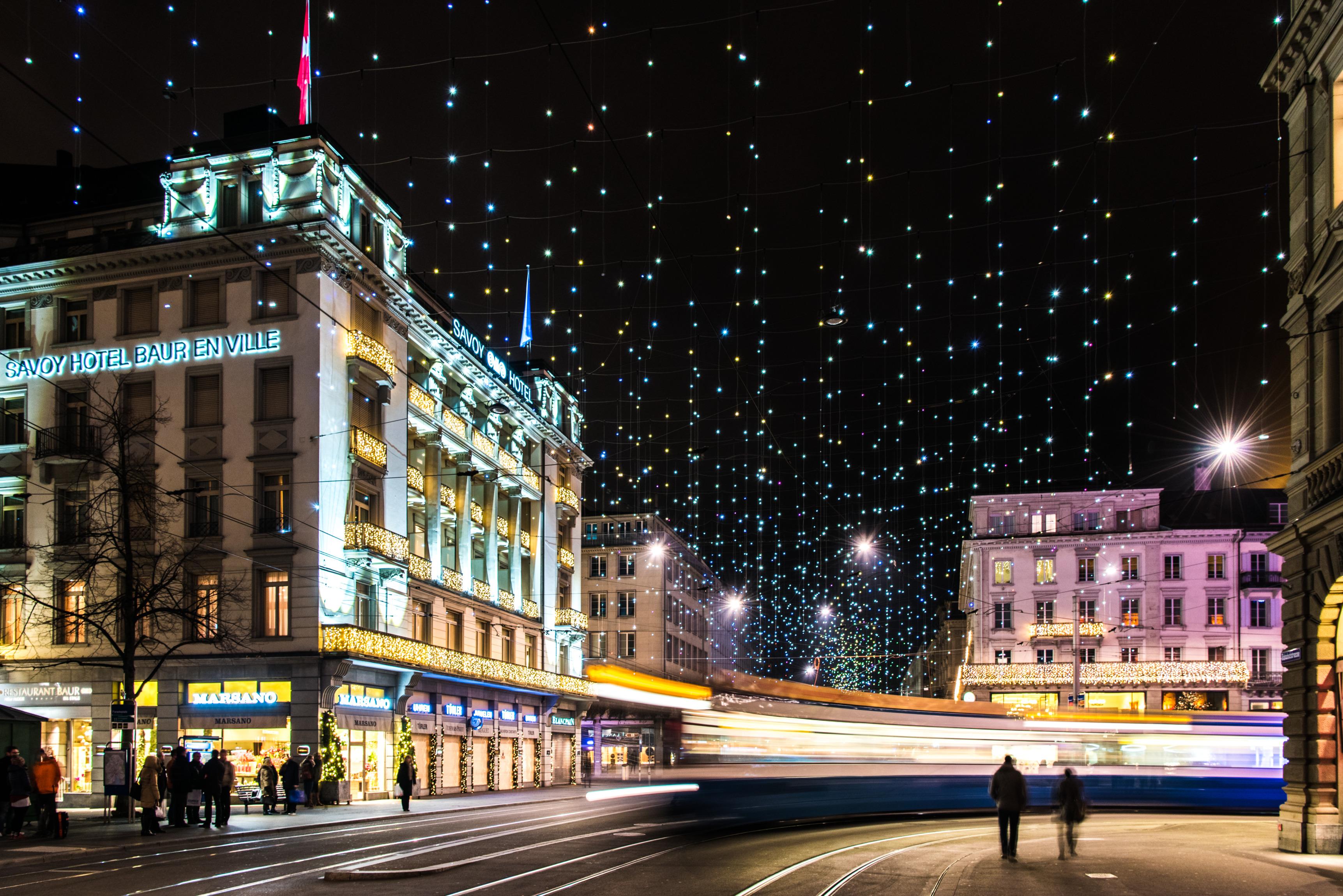 Weihnachtsbeleuchtung Lucy Zürich