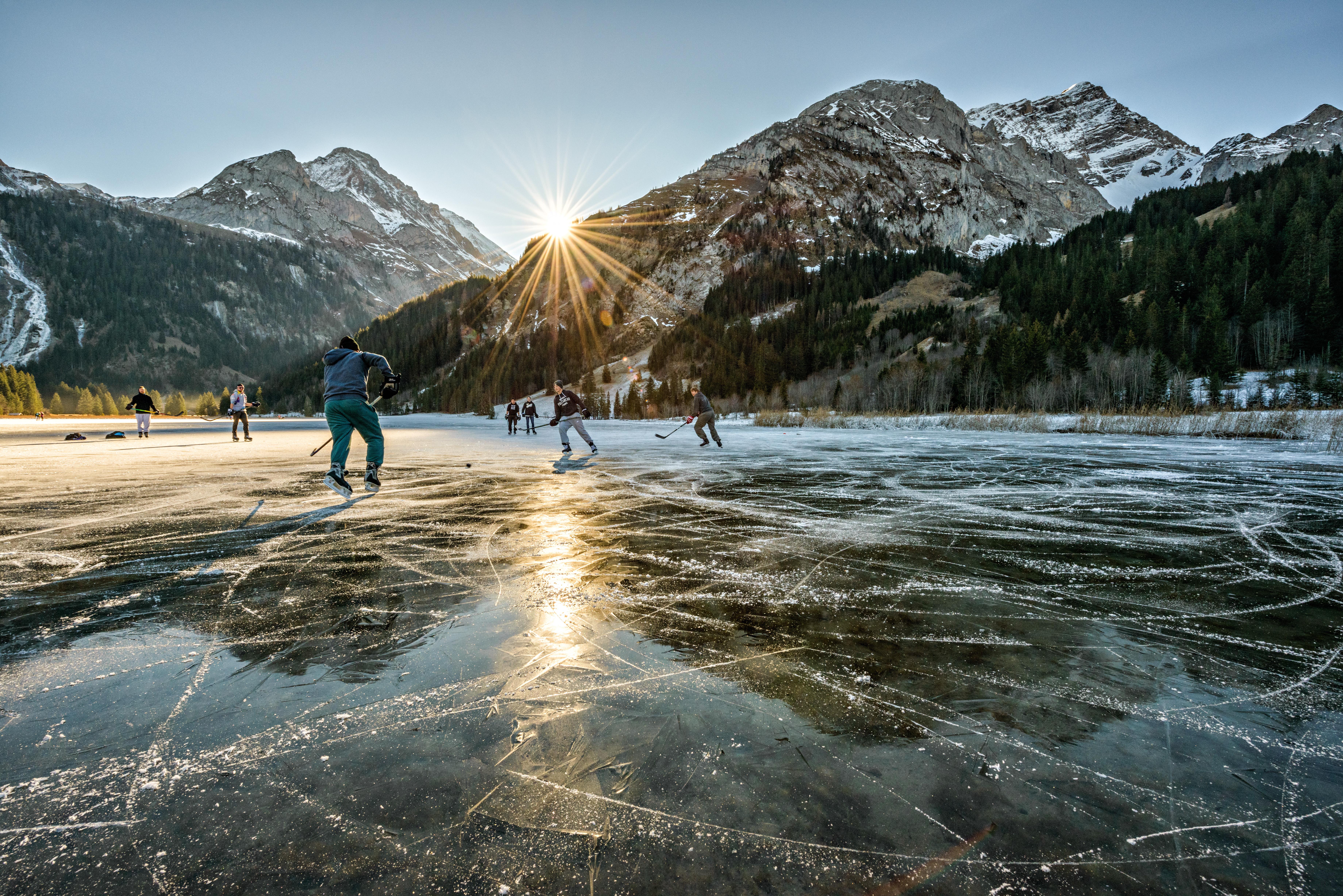 Schlittschuhfahren auf dem Lauenensee