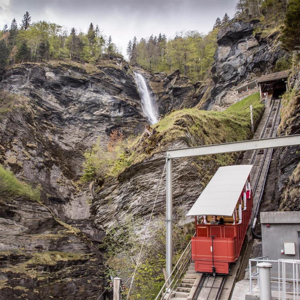 Aufstieg zu den Reichenbach-Wasserfällen